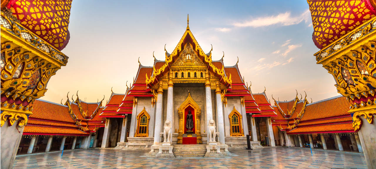 The Marble Temple, Wat Benchamabophit Dusitvanaram in Bangkok, Thailand at Sunrise